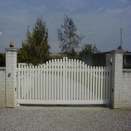 Baldassi S.r.l. - Porte basculanti, Porte sezionali, Frangisole, Porte tagliafuoco e serrande